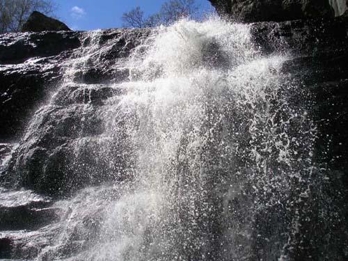 верхний каскад водопада Гадульша