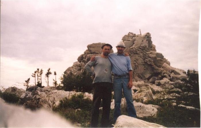 На вершине хребта Зюракуль