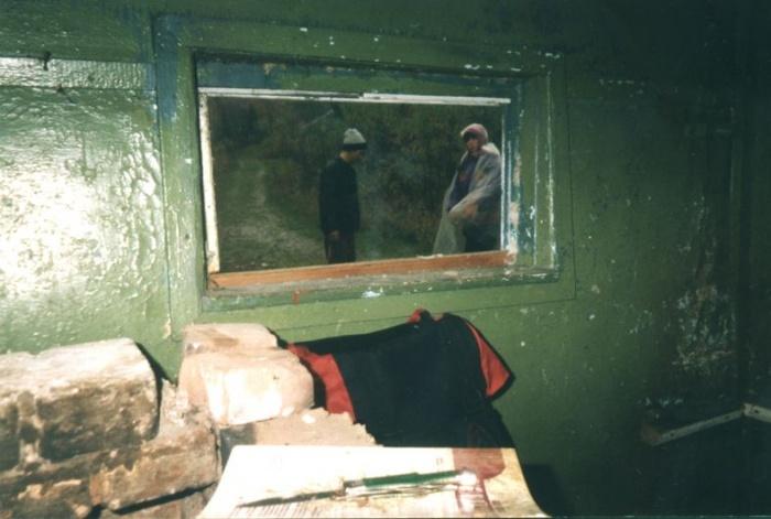 Картина на стене в избушке