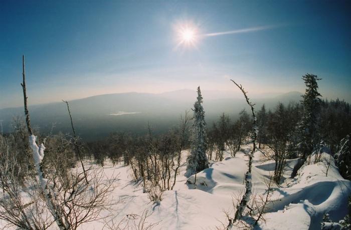 вид на Юрюзаньскую долину с вершинки 1035 (Дальний Машак).