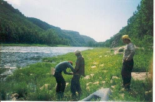 Операция по извлечению клеща на водопаде Невидимка в июне 1999