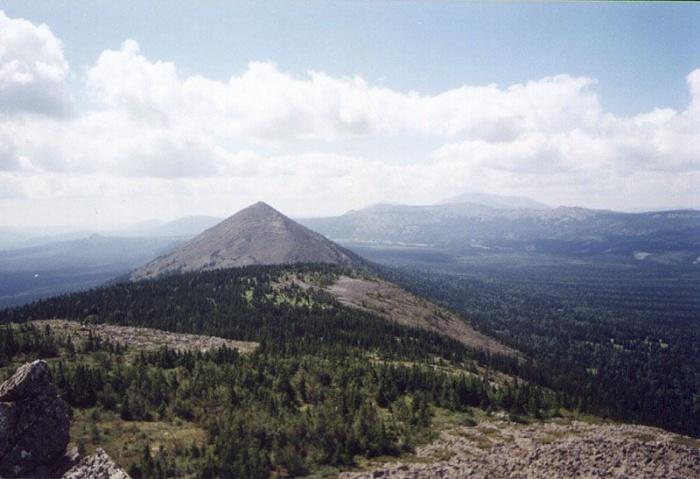 Вершина хребта Кумардак - вершина 1354