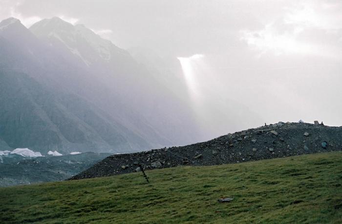 На поляне у гляциостанции, (поляна Мерцбахера).