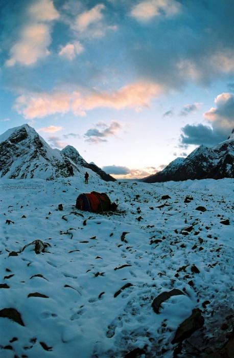 На леднике Юж. Иныльчек.  Фото-3. На закате.