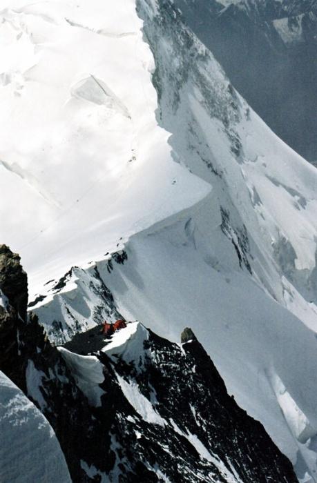 Вид на перемычку во время восхождения