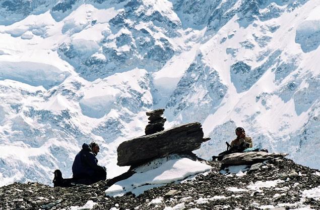 """На леднике Звёздочка. Привал у тура на """"тропе""""."""