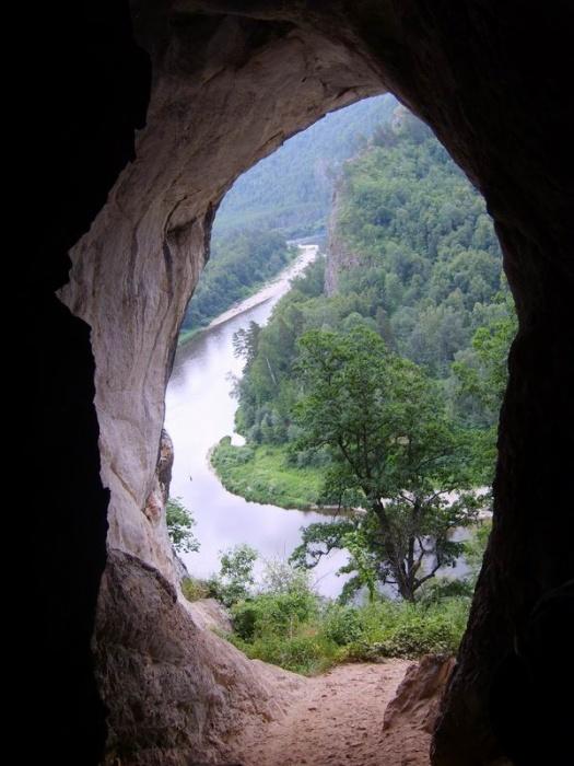 вид из пещеры...