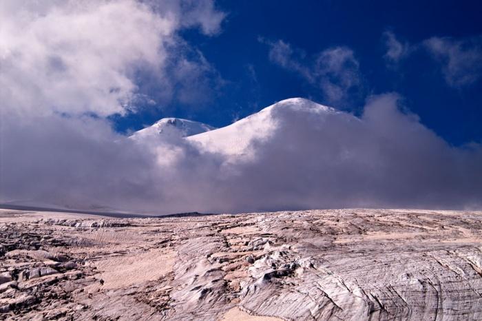 Ледовая база. Вид на Эльбрус. август 2008