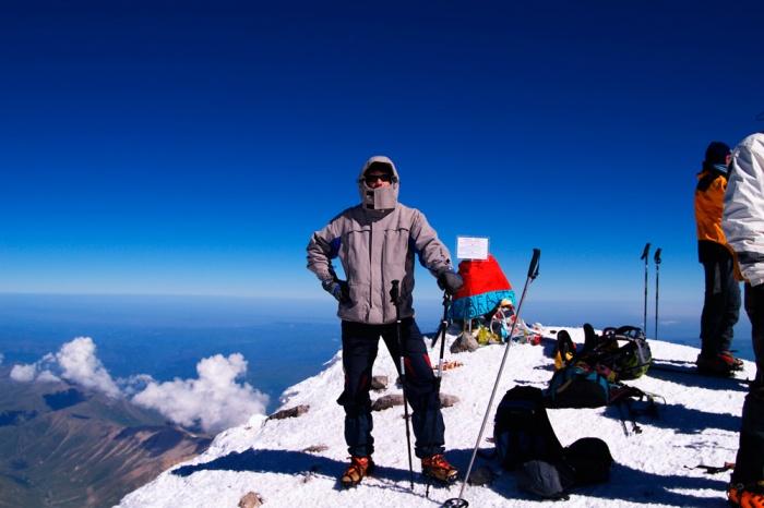 Автор фотографий на вершине Эльбруса. август 2008