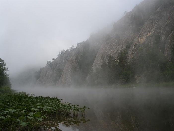 Утро  туманное  у Семи Сестер )