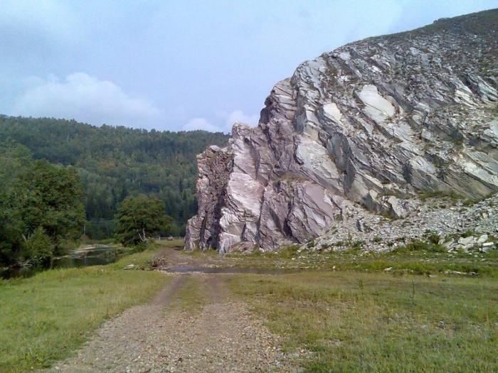 Белая скала в Бакеево