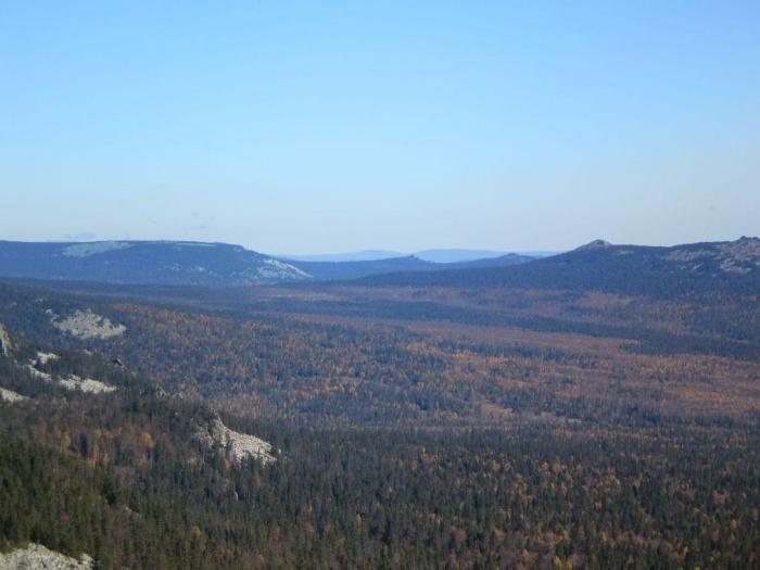Вид на хребет Зигальга и г. Большой Пасынок