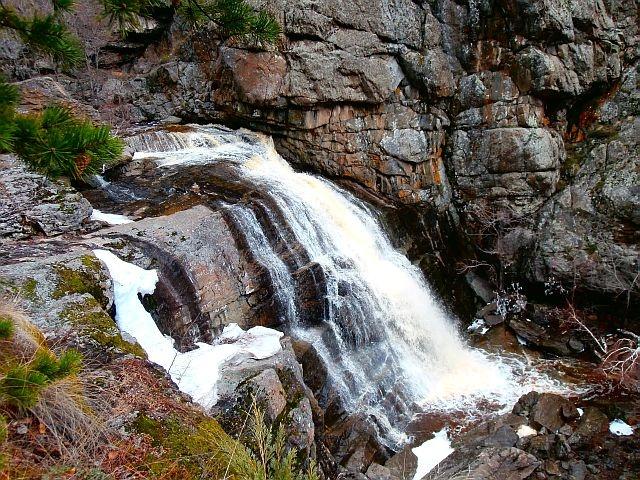Водопад Гадельша в апреле