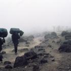 Портеры на подходе к лагерю Барафу.