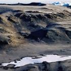 Кальдера вулкана Кибо-3.