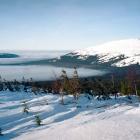 облака на высоте 900 метров