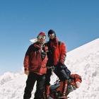 Встреча на 5800. Справа польский альпинист – Марсин Хенниг.