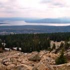 Вид с вершины Зюраткуля на озеро