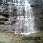 Низ нижнего каскада водопада