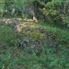 Кладка камней для строительства плотины, выдаваемея некоторыми за древнее захоронение