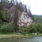 Красно-белая скала