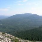 Вид на  Нургуш-2 (1350м) с склона Нургуш-3 (1247м)