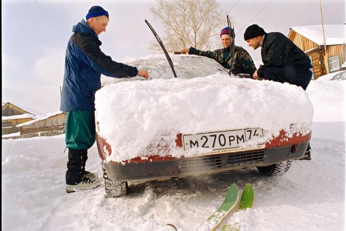 мои друзья и моя железная лошадка, доставляющая нас в самые отдалённые уголки Юж. Урала