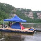 плот с шатром