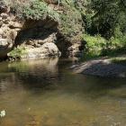Грот и пляжик на реке Нура
